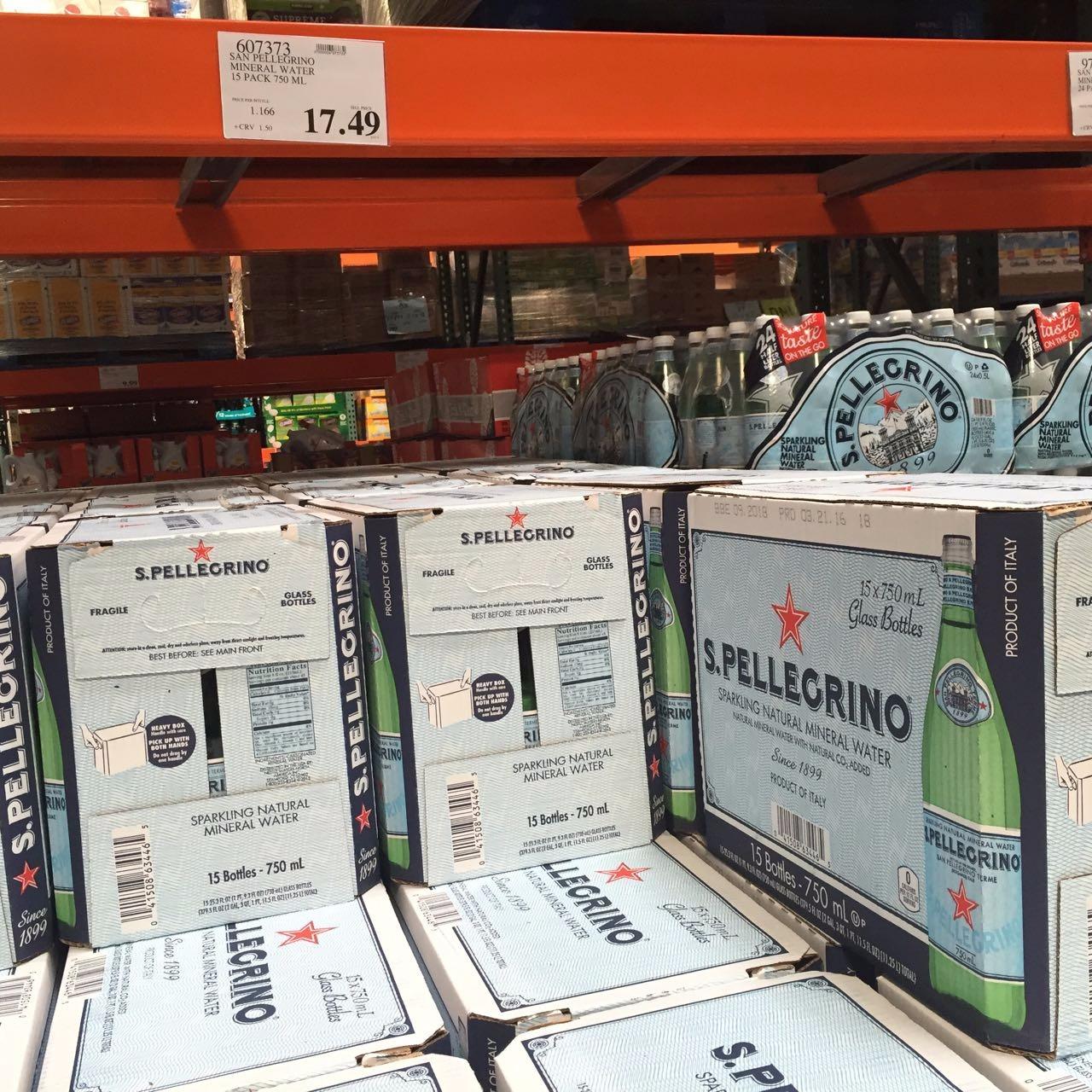 小编带你现场购】超市几十种瓶装水逐一扒,为喝上一口健康水,小编也是蛮