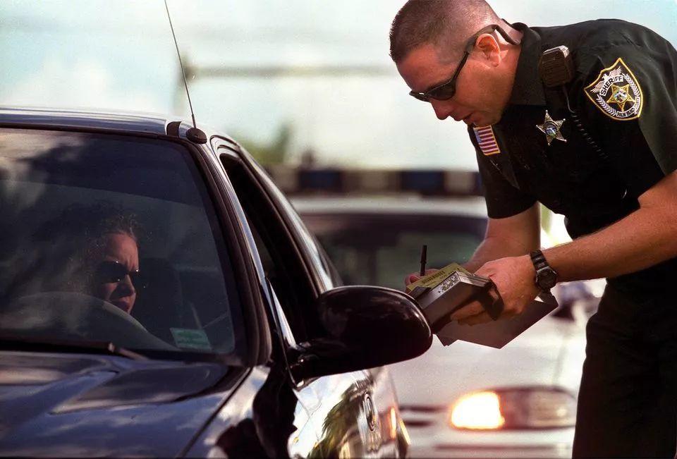 2018年加州交通罚单再次上涨!不懂这些规矩,罚你没商量!